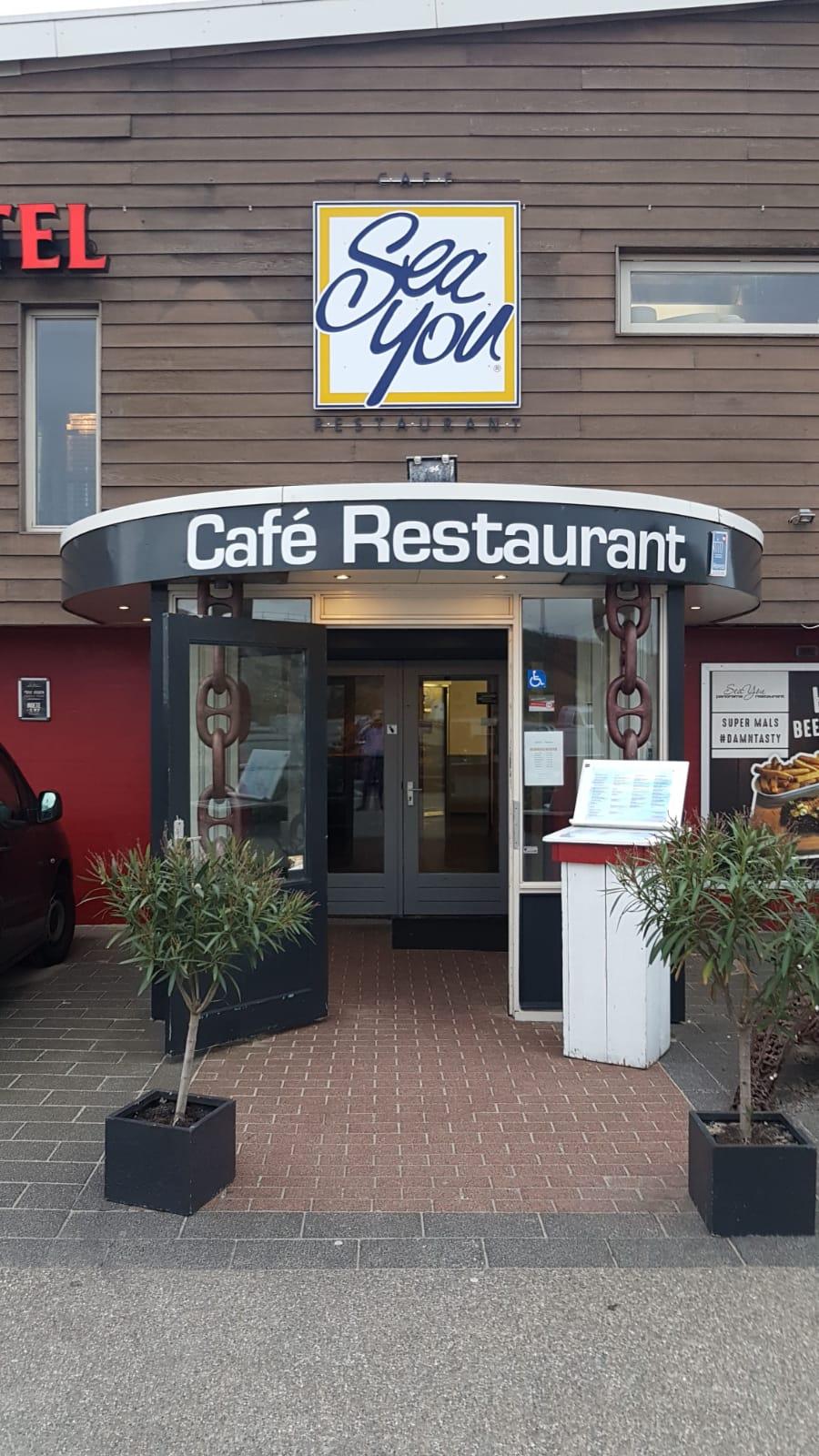 Voorzijde en entree Restaurant Sea You